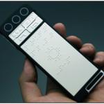 Smartphone für Blinde mit Brailleschrift-Darstellung