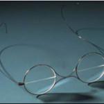 Eine Brille für Ferne und Nähe … Wer hat`s erfunden?