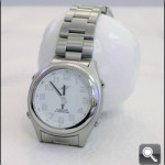 Sprechende Armbanduhr erleichtert das Leben bei schlechter Sehleistung