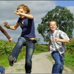 Spielen im Freien senkt das Risiko für Kurzsichtigkeit